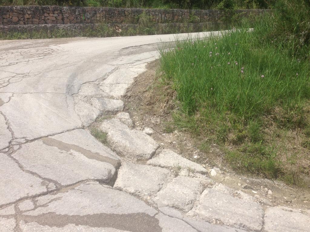 strada Vallesenzana dissestata
