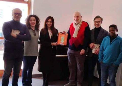 Un defibrillatore per Santa Gemma donato dai medici