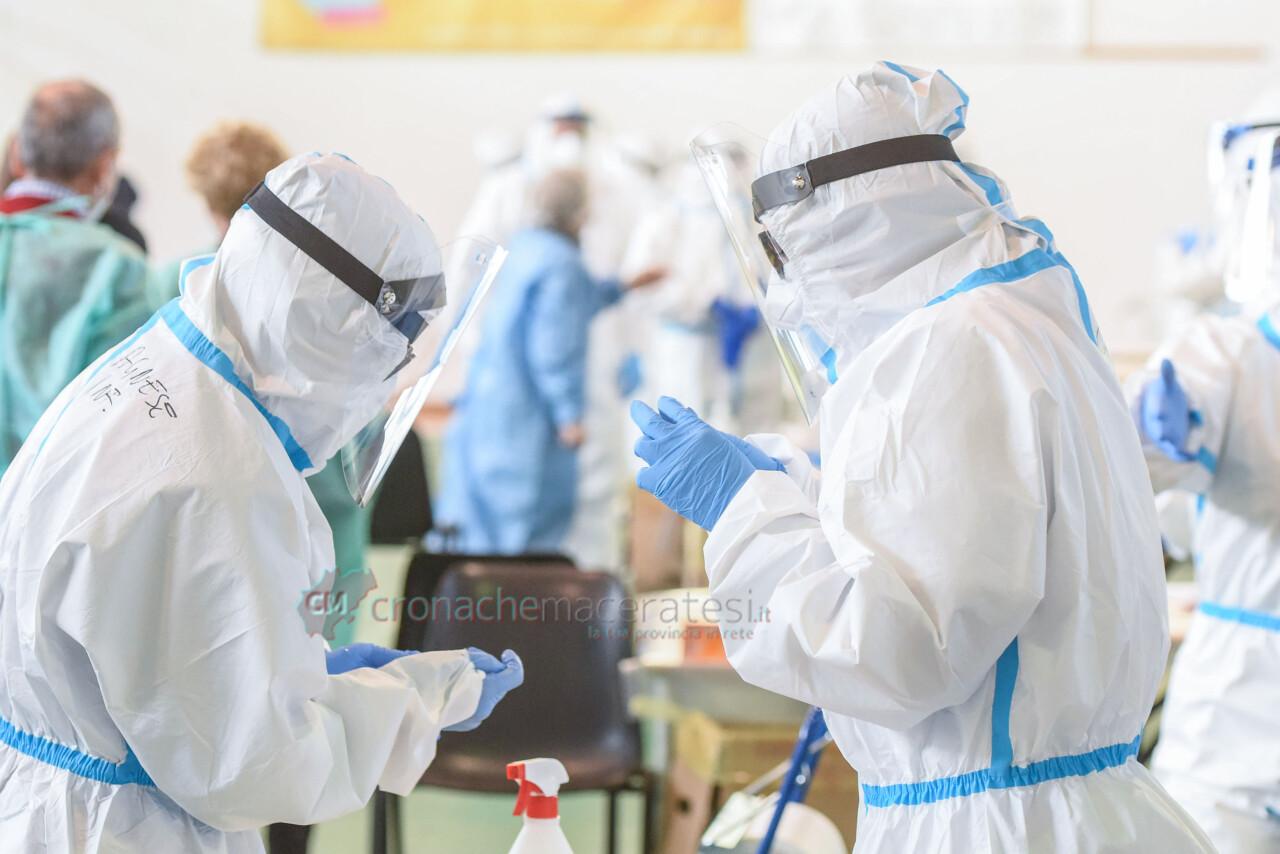 tamponi-covid-screening-di-massa-palarisorgimento-civitanova-FDM-13