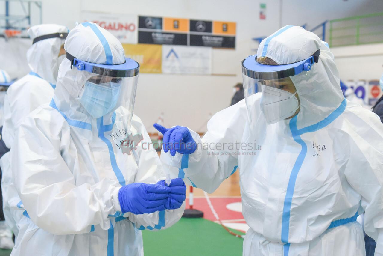 tamponi-covid-screening-di-massa-palarisorgimento-civitanova-FDM-9
